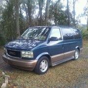 2005 GMC Safari van